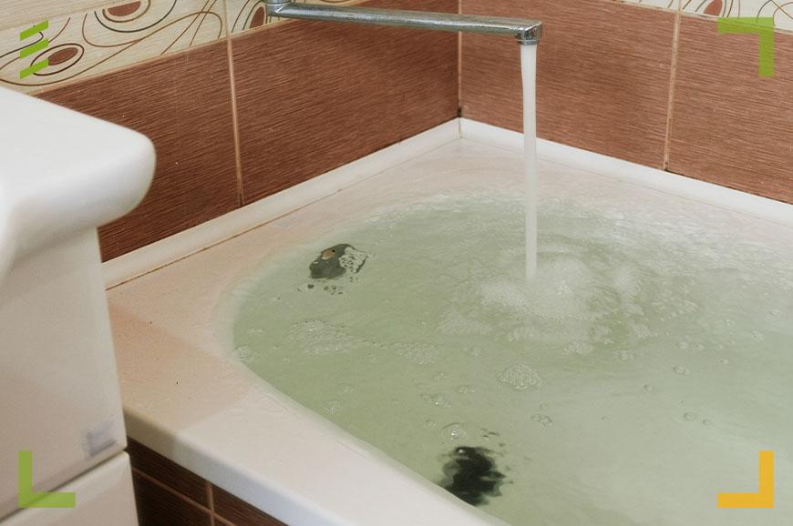 Smartapart Projekt Wasserschaden Badewanne